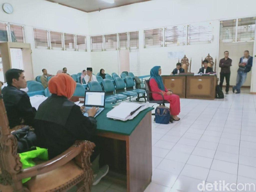 Kasus Bagi-bagi Jilbab, KPU Coret Nama Adik Wali Kota Bukittinggi