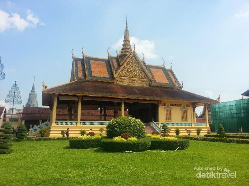 Foto: Timnas Juara! Rayakan dengan Keliling Phnom Penh