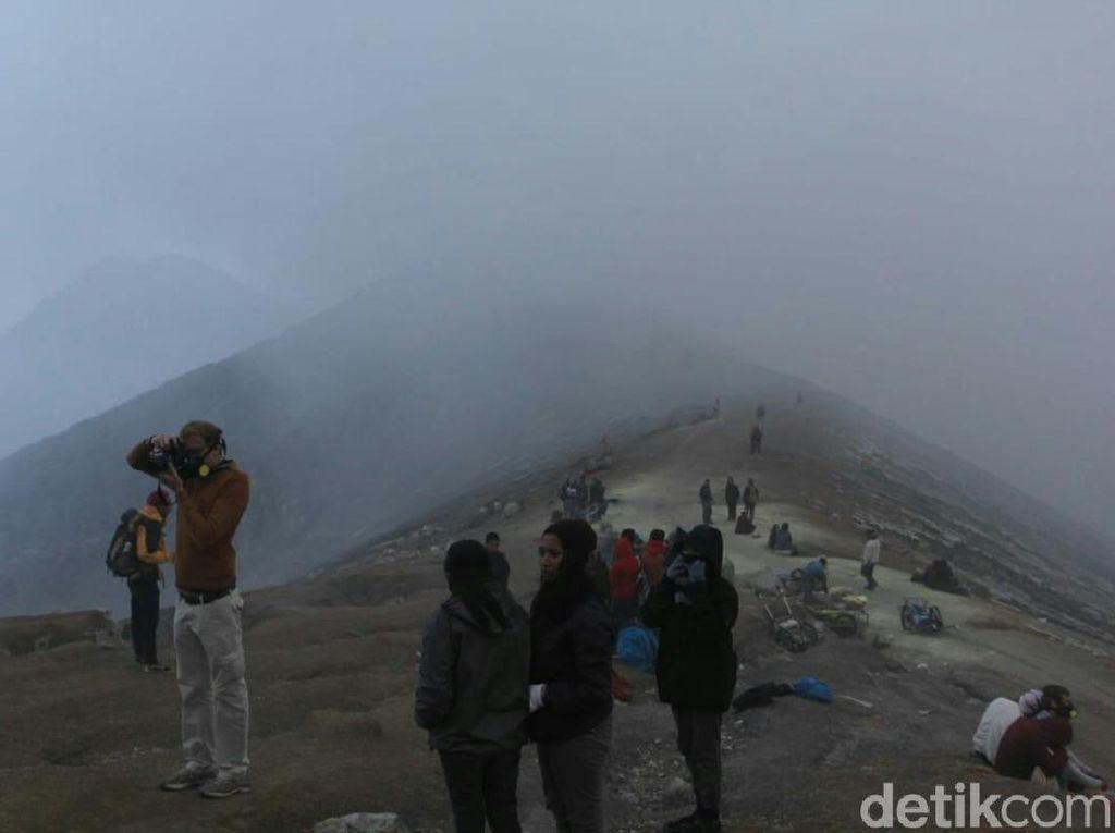 Alat Pendeteksi Gas Beracun Dipasang di Gunung Ijen