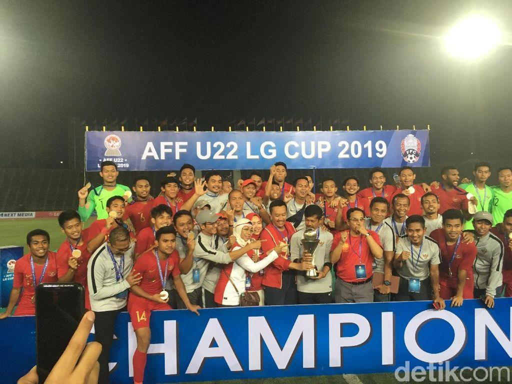 Video Keseruan Pemain Timnas U-22 Rayakan Juara AFF