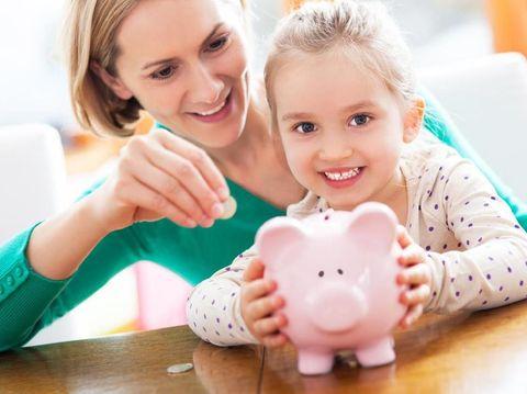 Tips Mengajari Anak Cerdas Finansial Sejak Kecil