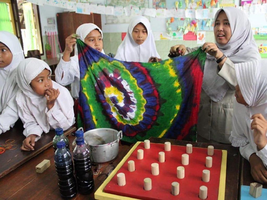 Perkenalkan, Ini Guru SD yang Mengajar di Belanda karena Inovasinya