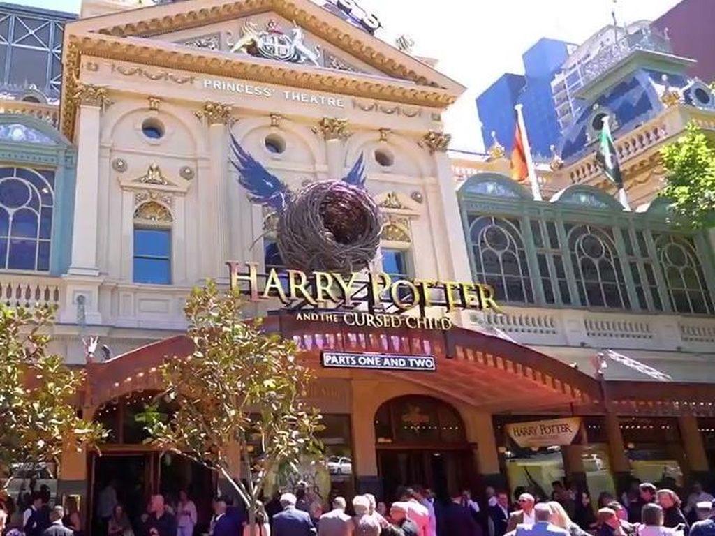 Harry Potter and the Cursed Child Resmi Dibuka di Australia