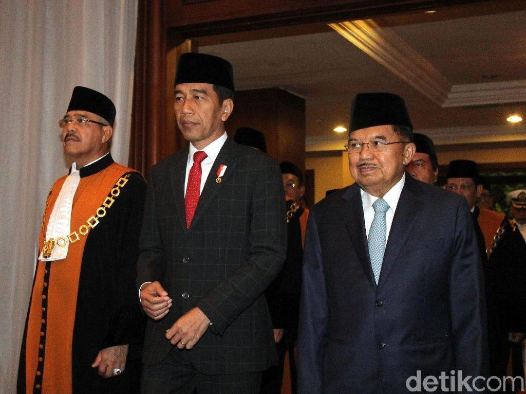 Potret Jokowi-JK Hadiri Sidang Pleno Laporan Akhir Tahun MA