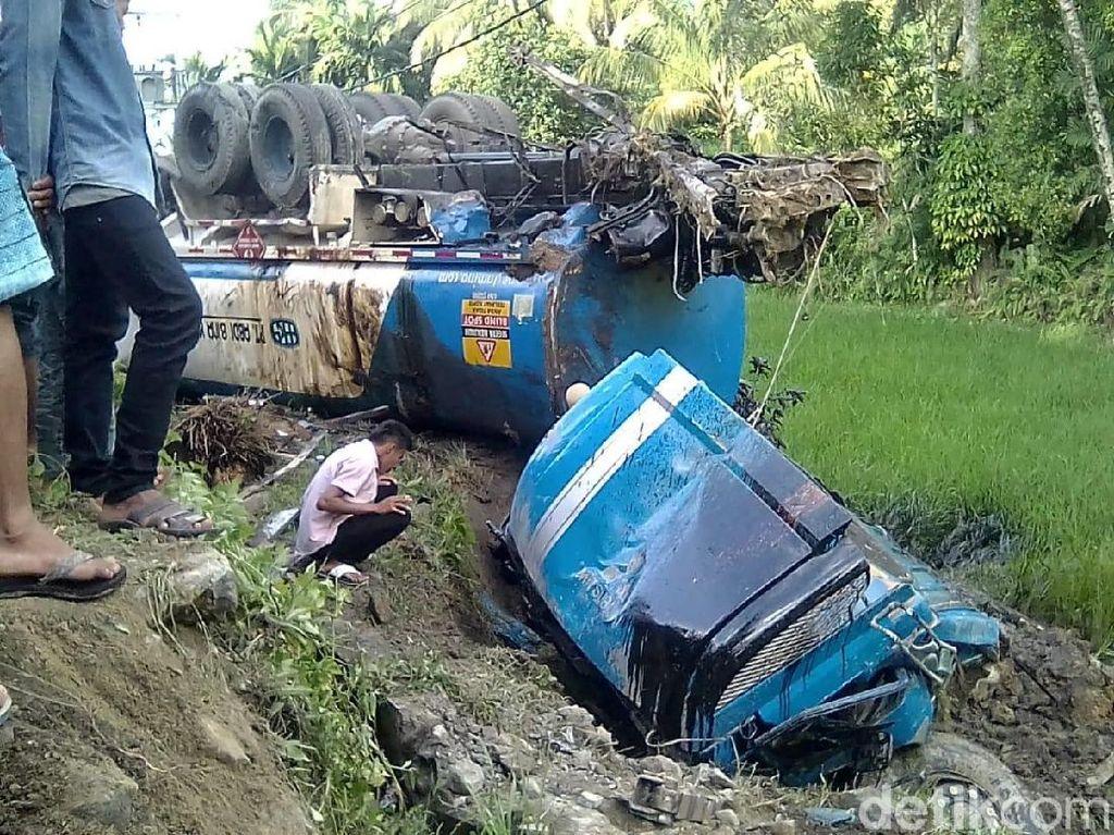 Kecelakaan Beruntun 8 Kendaraan di Sumbar, 3 Tewas 6 Luka Berat