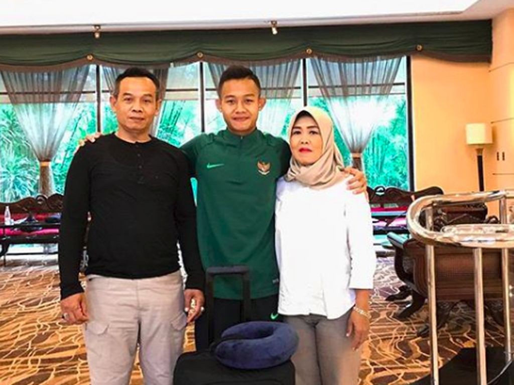 Potret Sani Rizki Fauzi, Pencetak Gol Piala AFF U-22 Bareng Ibu