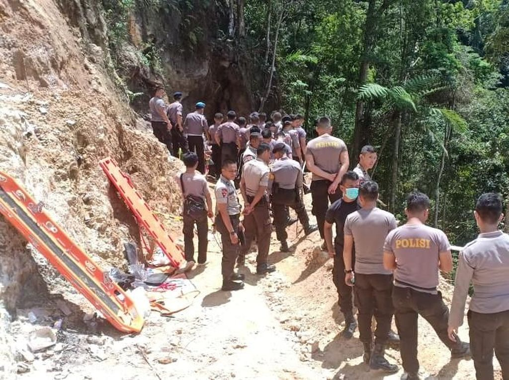 Cerita Anas di Lubang Terowongan Tambang Emas Bolmong Saat Longsor
