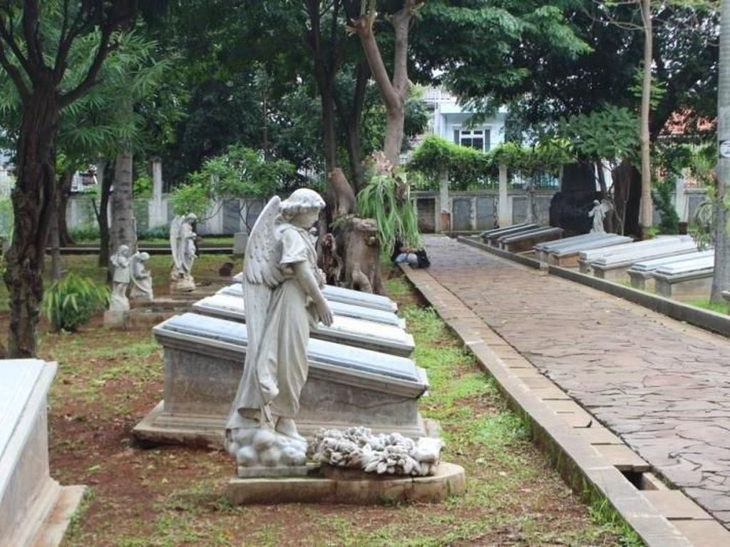 Melihat Pemakaman ala Eropa di Jakarta