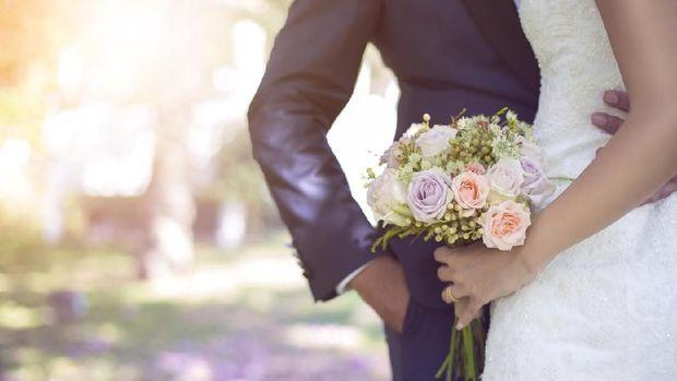 18 Ucapan 'Mengganggu' untuk Pasangan Baru Menikah