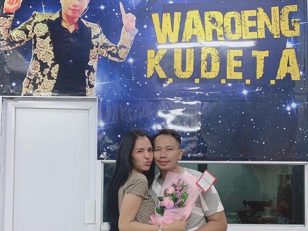 Putus dengan Vicky Prasetyo, Anggia Chan Rugi Puluhan Juta Rupiah