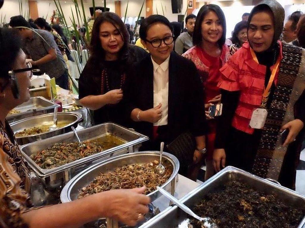 Jelajah Kuliner Retno Marsudi di Warung Mangut Lele hingga Kantin PBB