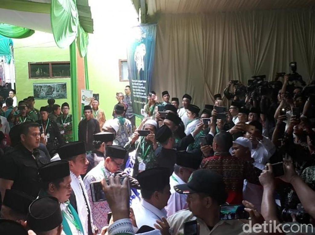 Jokowi, Maruf, hingga Aher Hadiri Munas Alim Ulama dan Konbes NU