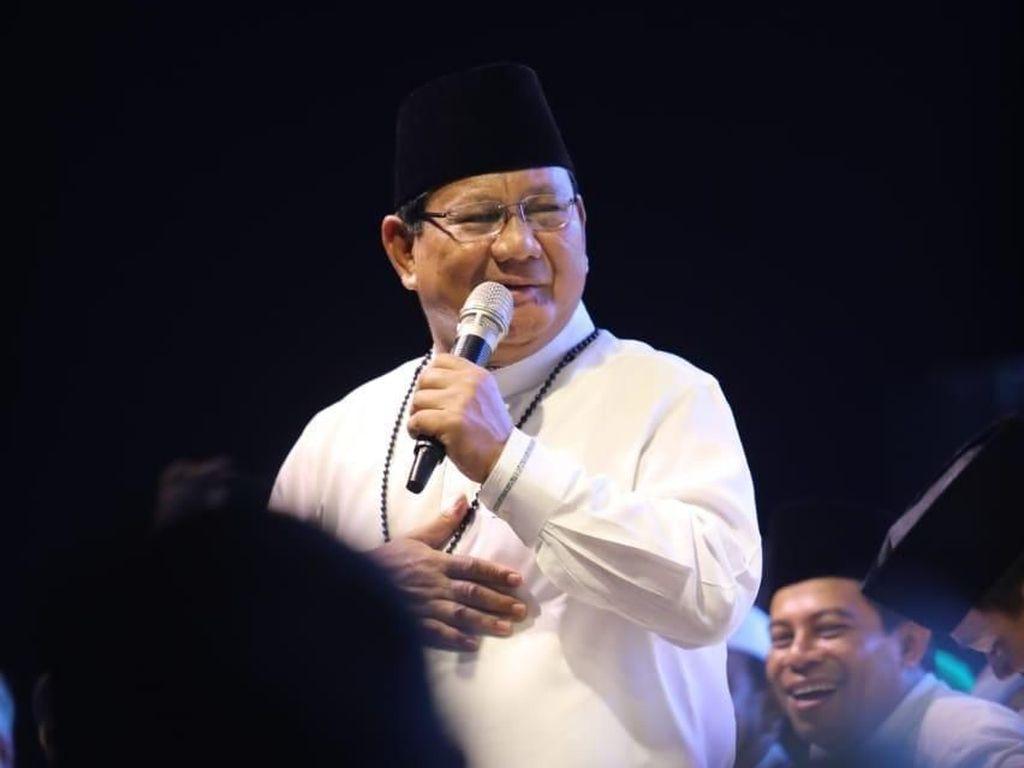Prabowo Ucapkan Belasungkawa atas Wafatnya Ibunda Ustaz Abdul Somad