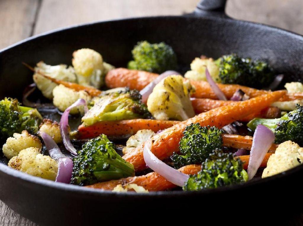 Masak Apa Hari Ini : Brokoli Saus Tiram dan Udang Saus Mentega ala Resto