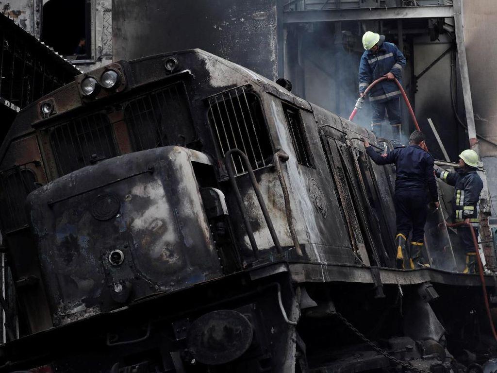 Kebakaran Hebat Terjadi di Stasiun Kereta di Kairo, 20 Orang Tewas