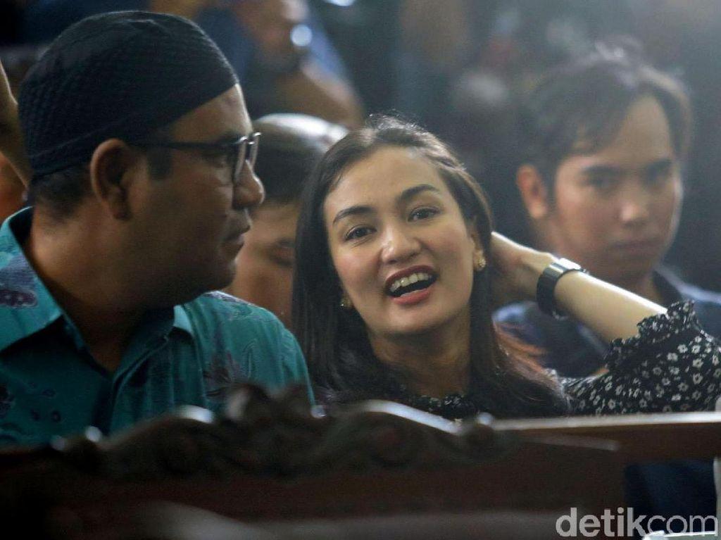 Ratna Sarumpaet Ajukan Tahanan Kota, Atiqah Hasiholan Siap Jadi Penjamin