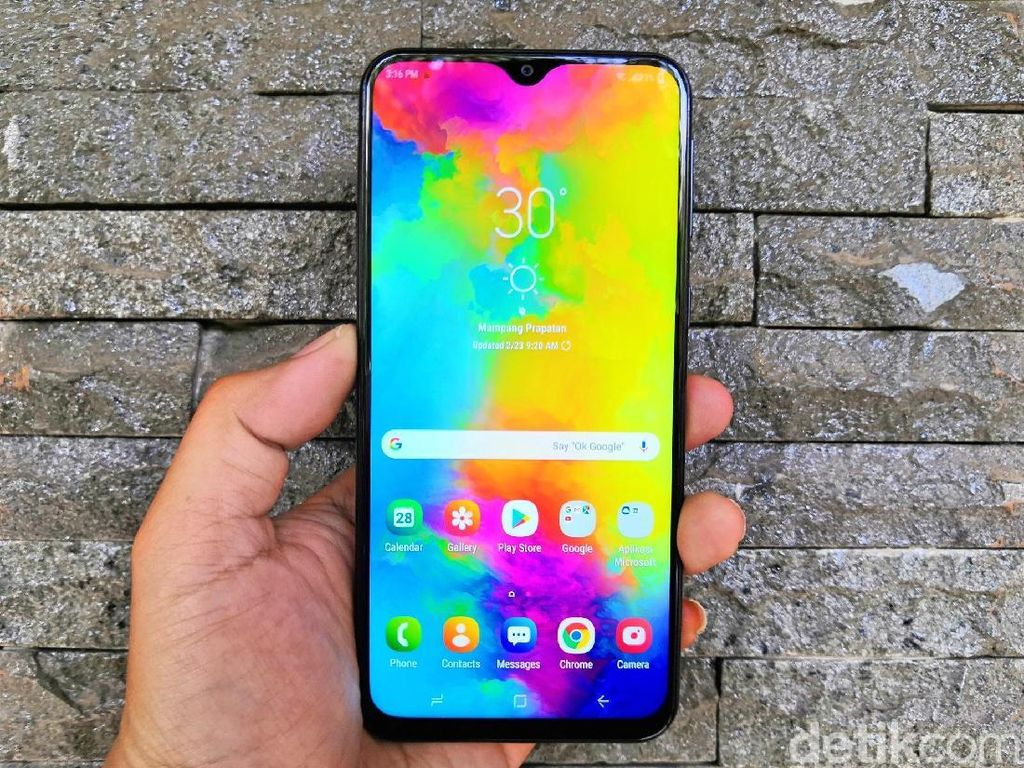 Review Samsung Galaxy M20, Baterai dan Layar Jadi Kekuatan