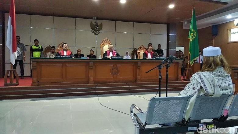 Gaya Tegas Hakim Kasus Habib Bahar bin Smith Bikin Merinding!
