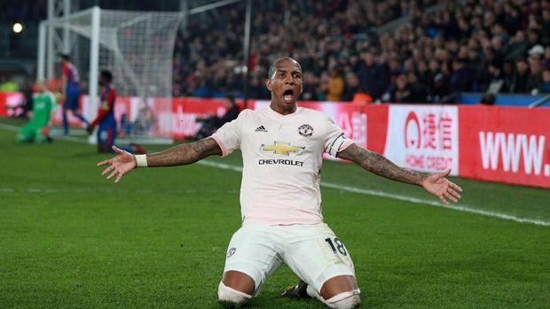 Manchester United meraup tiga poin di markas Crystal Palace.