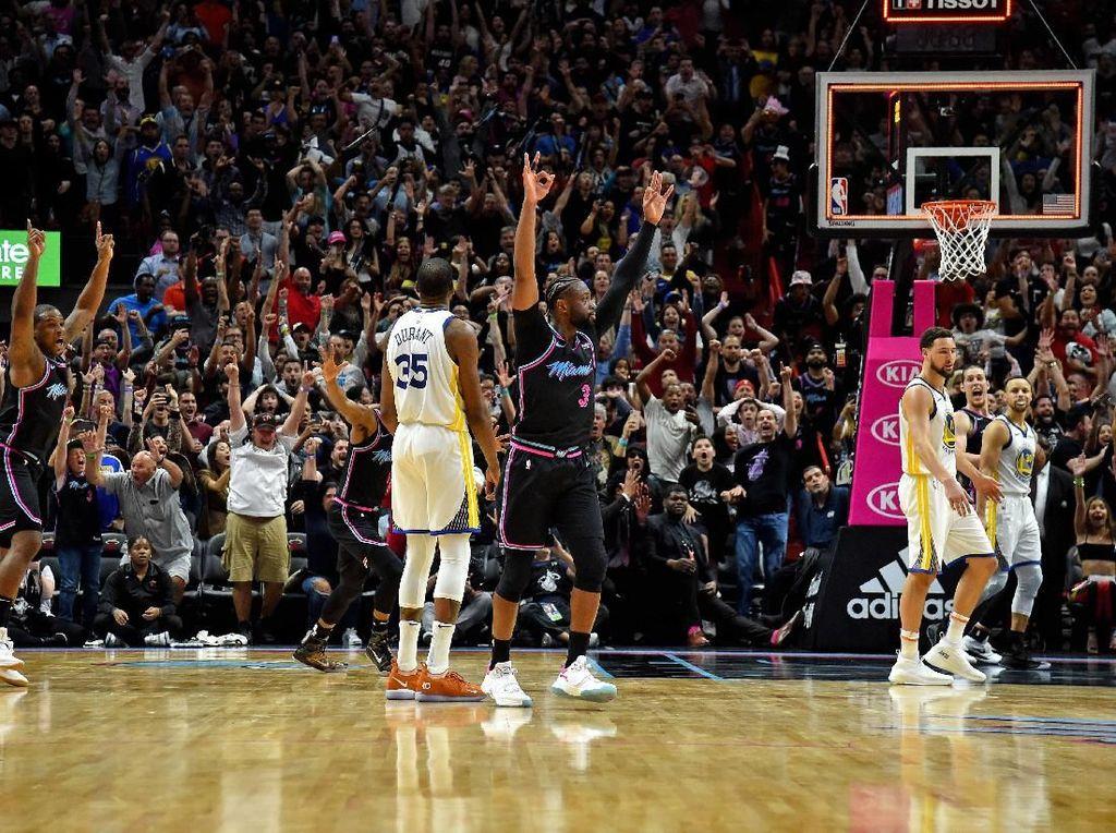 Hasil NBA: Buzzer Beater Wade Bawa Heat Kalahkan Warriors