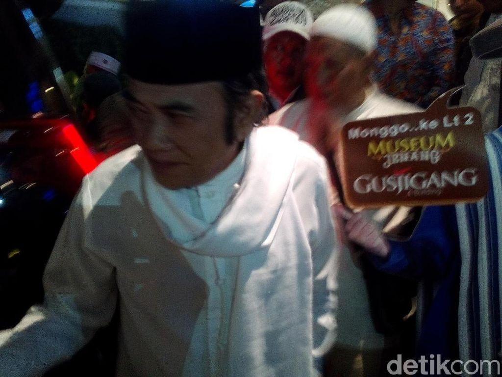 Ke Kota Kretek, Raja Dangdut Rhoma Irama Mampir ke Toko Jenang Kudus
