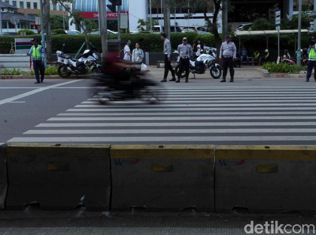 Akhir Tugas Pelican Crossing di Senayan