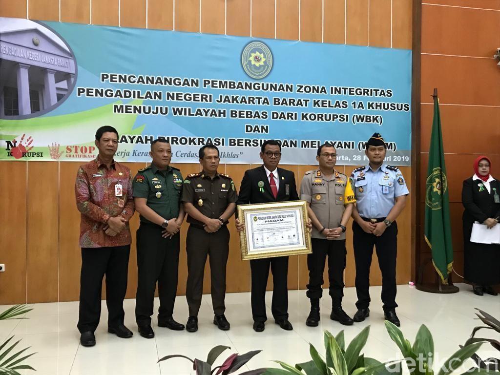 PN Jakbar Teken Zona Bebas Korupsi, MA Minta Bersihkan Suap-Pungli
