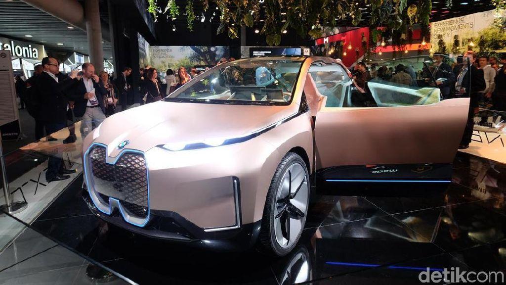 iNEXT, Mobil Futuristik BMW yang Pinky