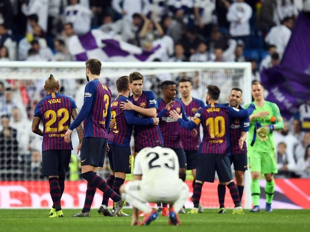 Dikalahkan Barcelona, Bek Muda Madrid Ini Menangis
