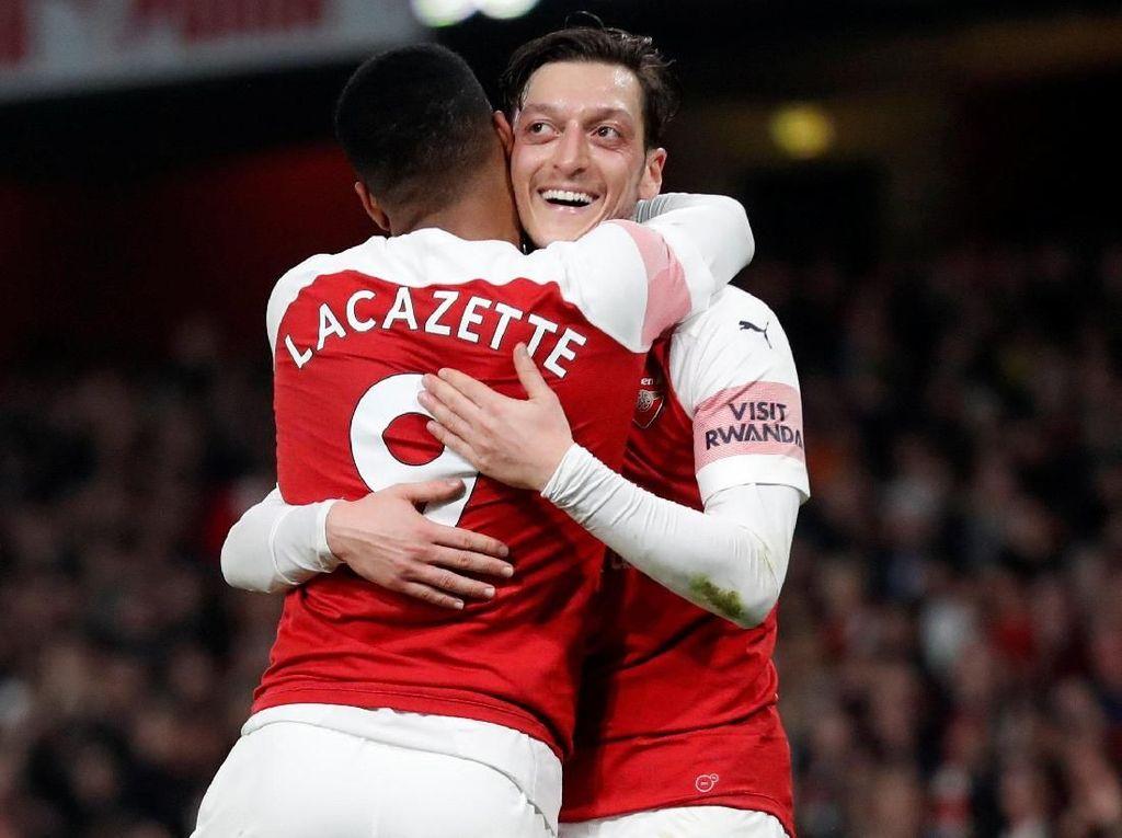 Oezil Bahagia di Arsenal