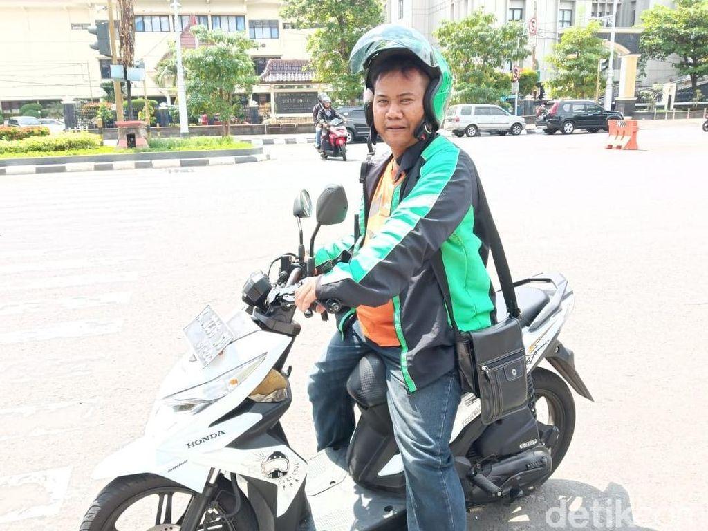 Driver Ojol di Semarang Nyaleg, Kampanye ke Dapil Sambil Narik Ojek