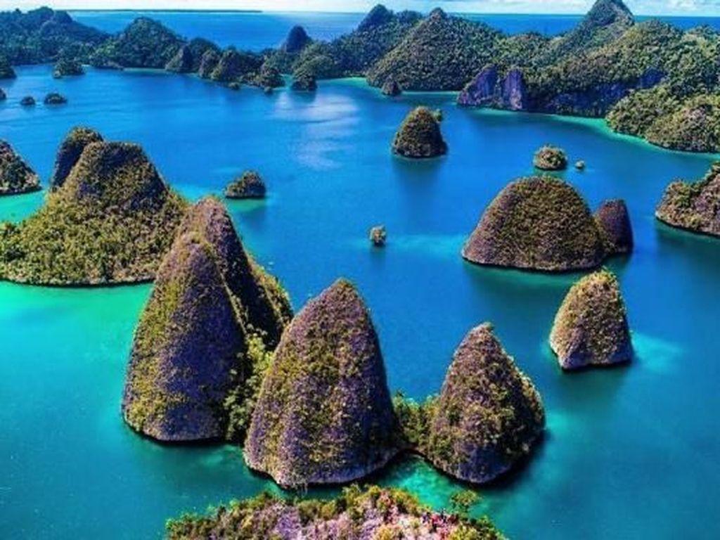 Mengenal Wayag Raja Ampat, Tempat Kapal Pesiar Asing Kandas