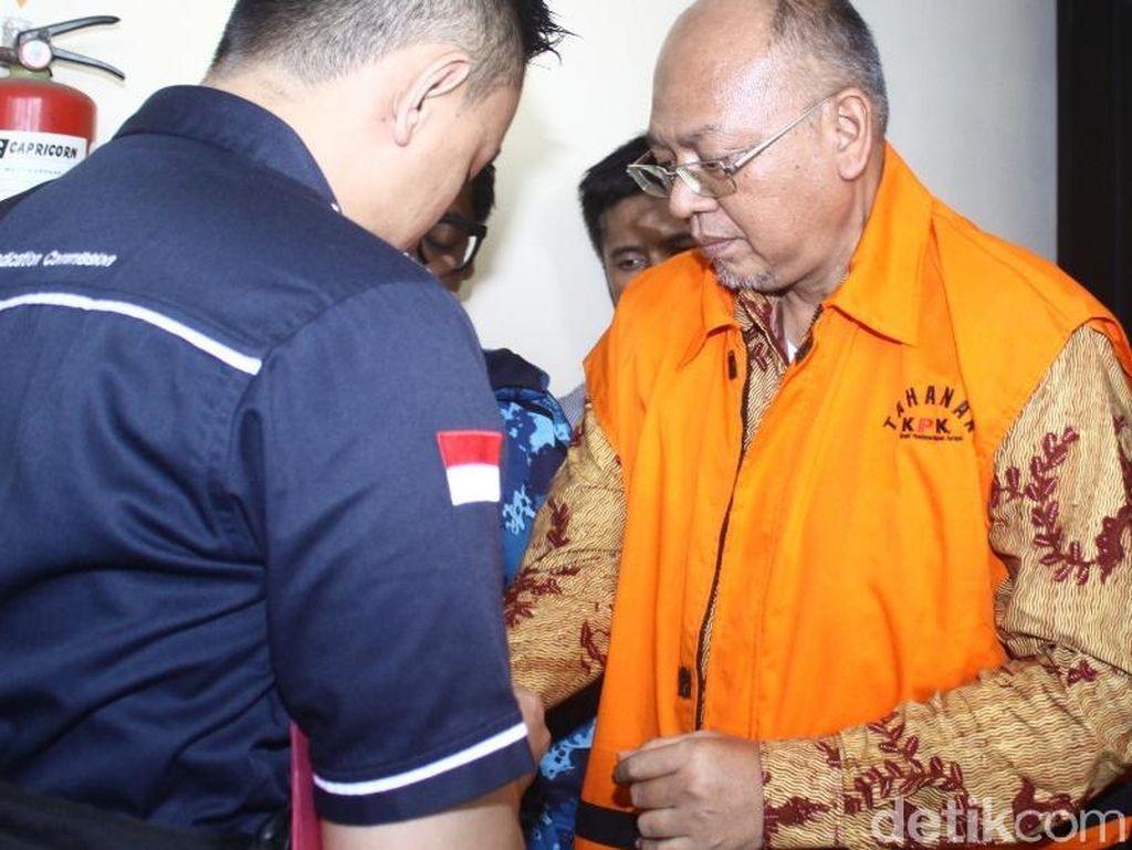Bupati Malang Non Aktif Rendra Kresna Sidang Perdana Korupsi Rp 7,5 M