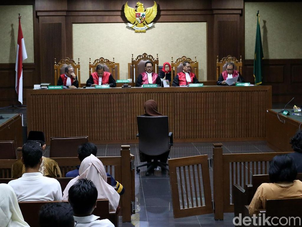 Jaksa KPK Terima Putusan Hakim ke Eni Saragih Soal Kasus PLTU-1 Riau