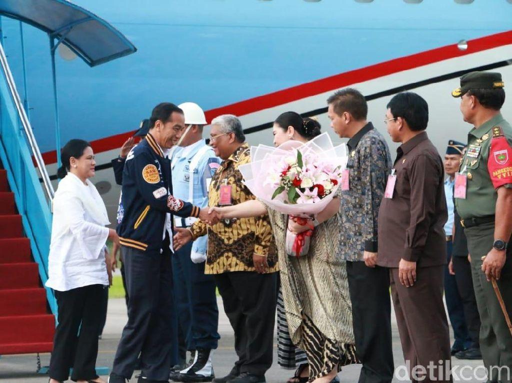 Jokowi Tiba di Kendari Bagikan 2.000 Sertifikat Tanah
