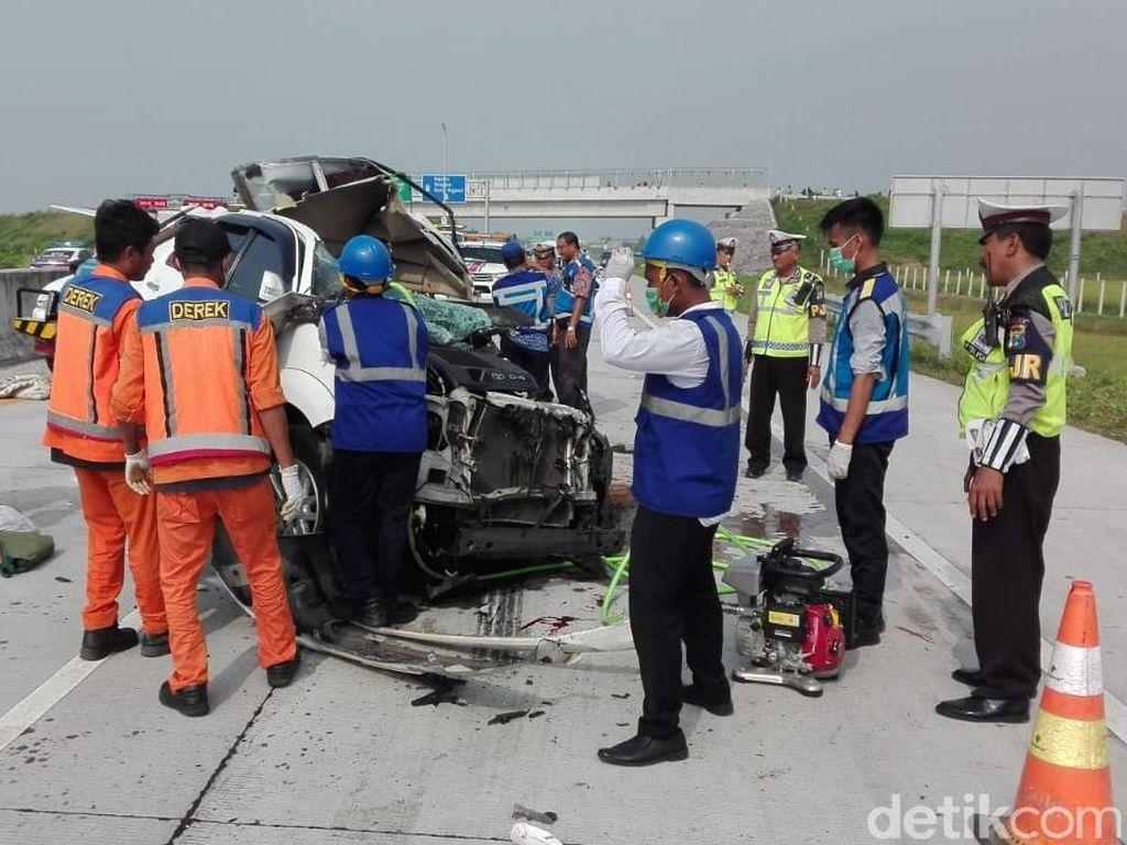 Kecelakaan di Tol Madiun, Tiga Penumpang SUV Tewas