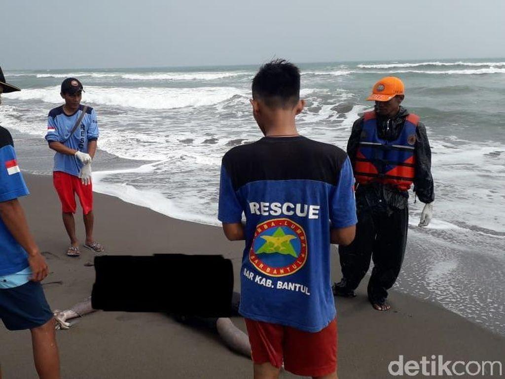 Ciri-ciri 2 Mayat Pria Misterius di Pantai Cemara Sewu Bantul