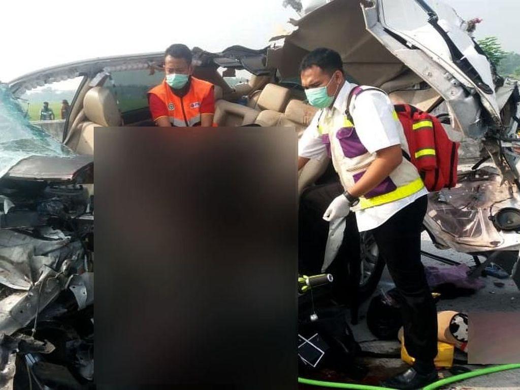 3 Penumpang SUV Tewas Kecelakaan di Tol Madiun asal Jakarta