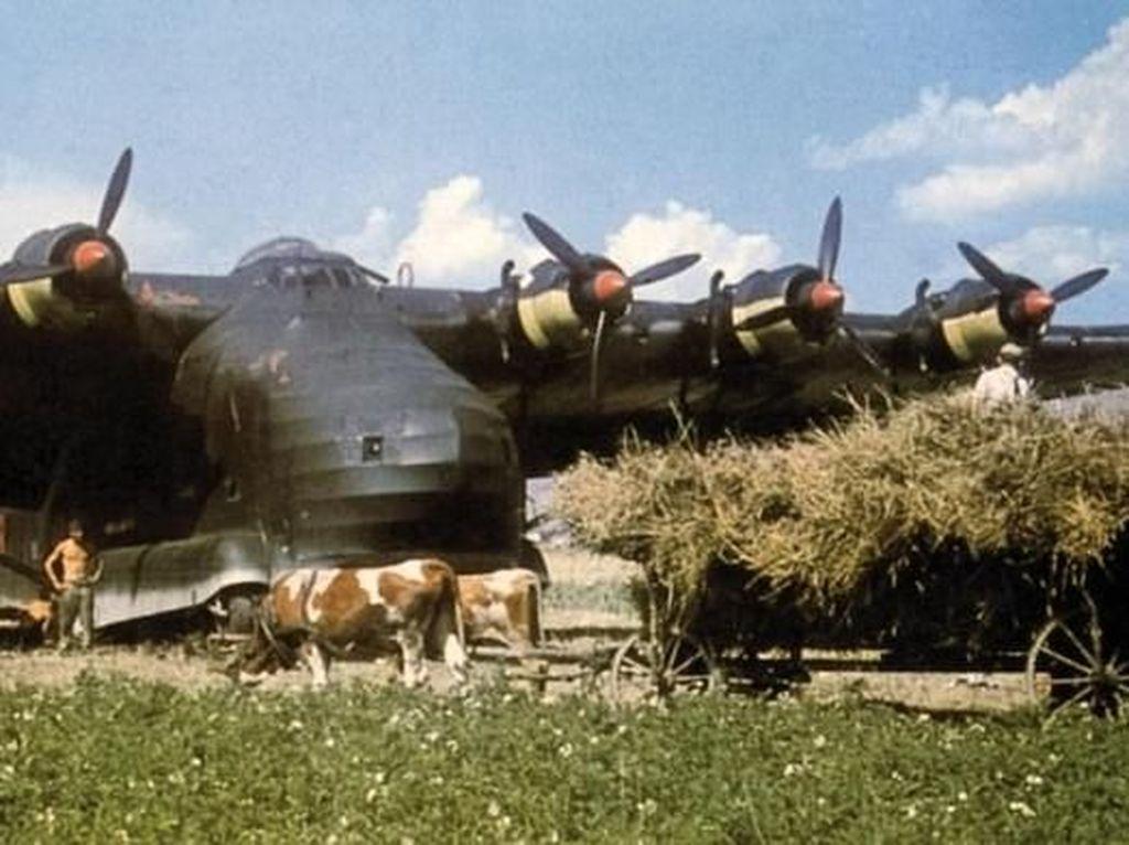Foto Warna Langka Aksi Pesawat Nazi di Perang Dunia II