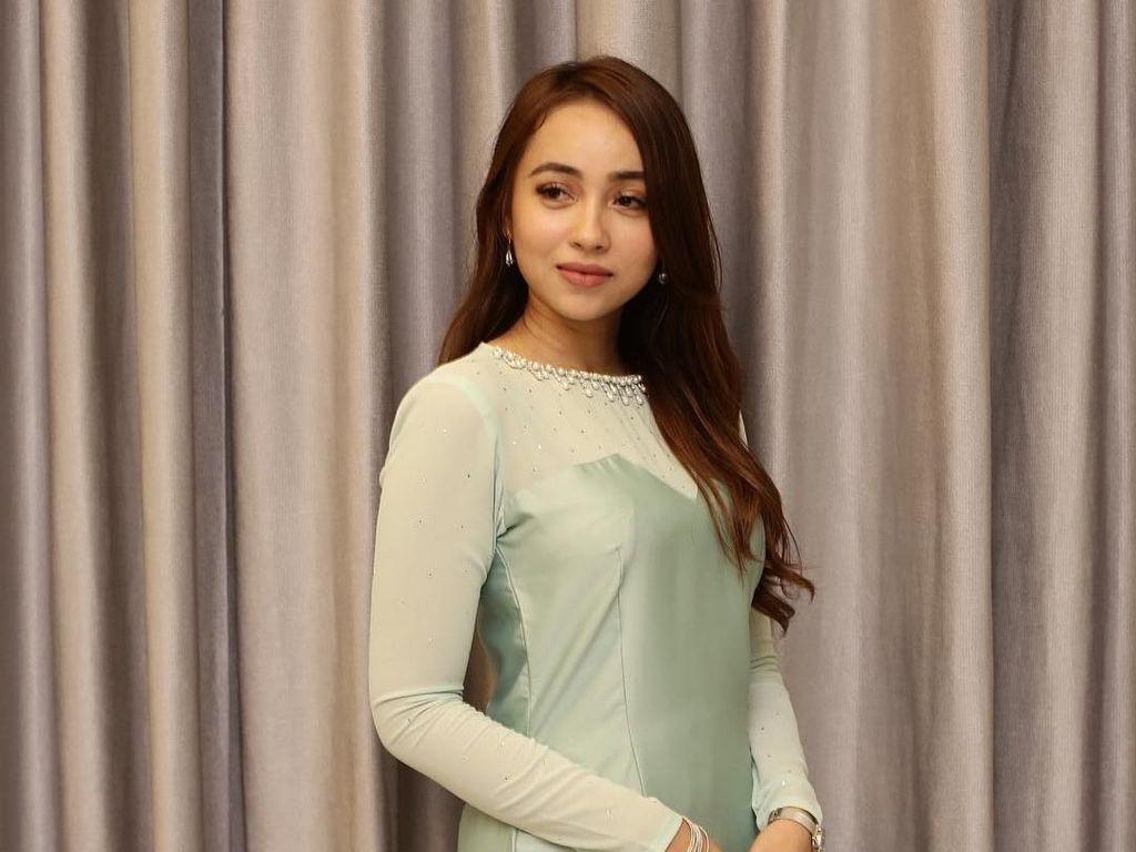 Aktris Malaysia Minta Maaf Setelah Videonya Mabuk Bareng Pria Beristri Viral