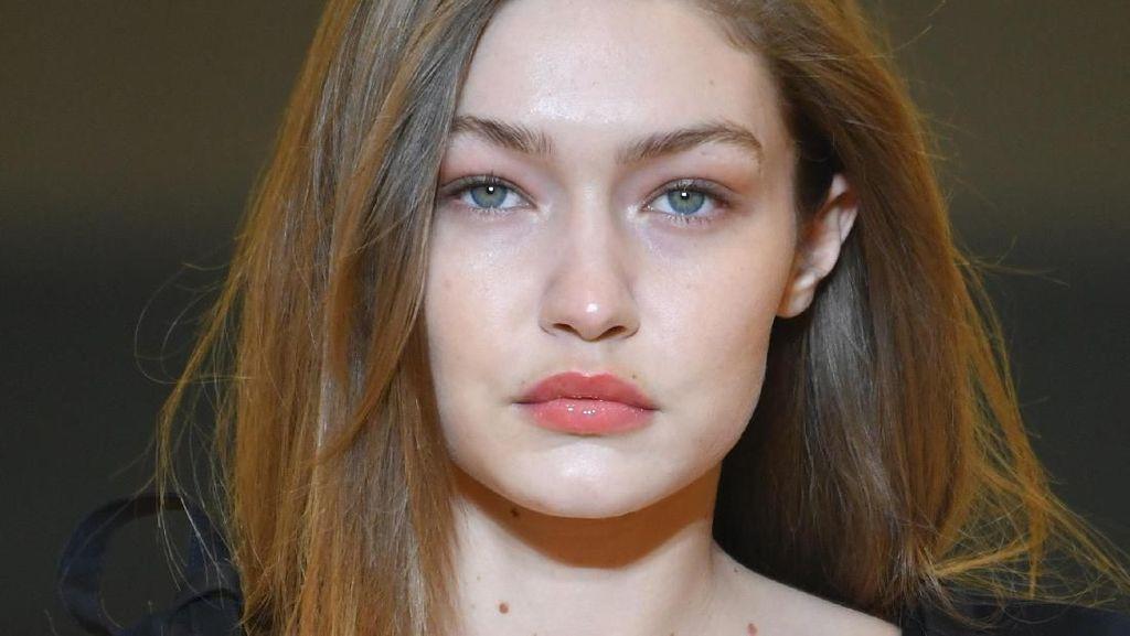 8 Makeup & Skincare Murah yang Dipakai Artis Dunia