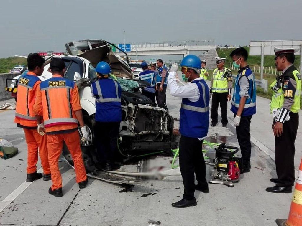 Kecelakaan di Tol Madiun Tewaskan 3 Orang Diduga Sopir SUV Ngantuk
