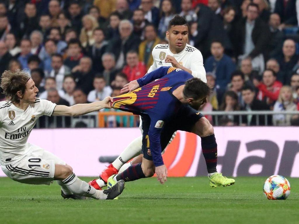 Resmi! El Clasico di Camp Nou Akhirnya Ditunda