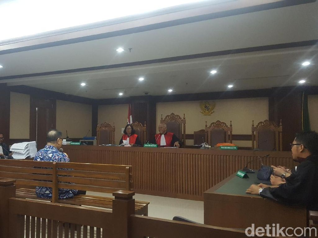 Anak Buah Penyuap Hakim Merry Purba Dituntut 5,5 Tahun Bui