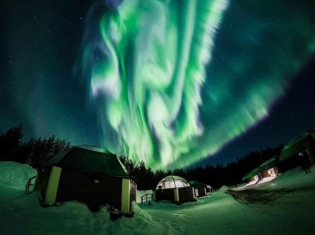 Menyaksikan Indahnya Tarian Cahaya di Langit Finlandia