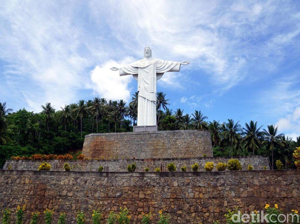 Kembaran Patung Yesus Memberkati Brasil, Ada di Pulau Lembeh