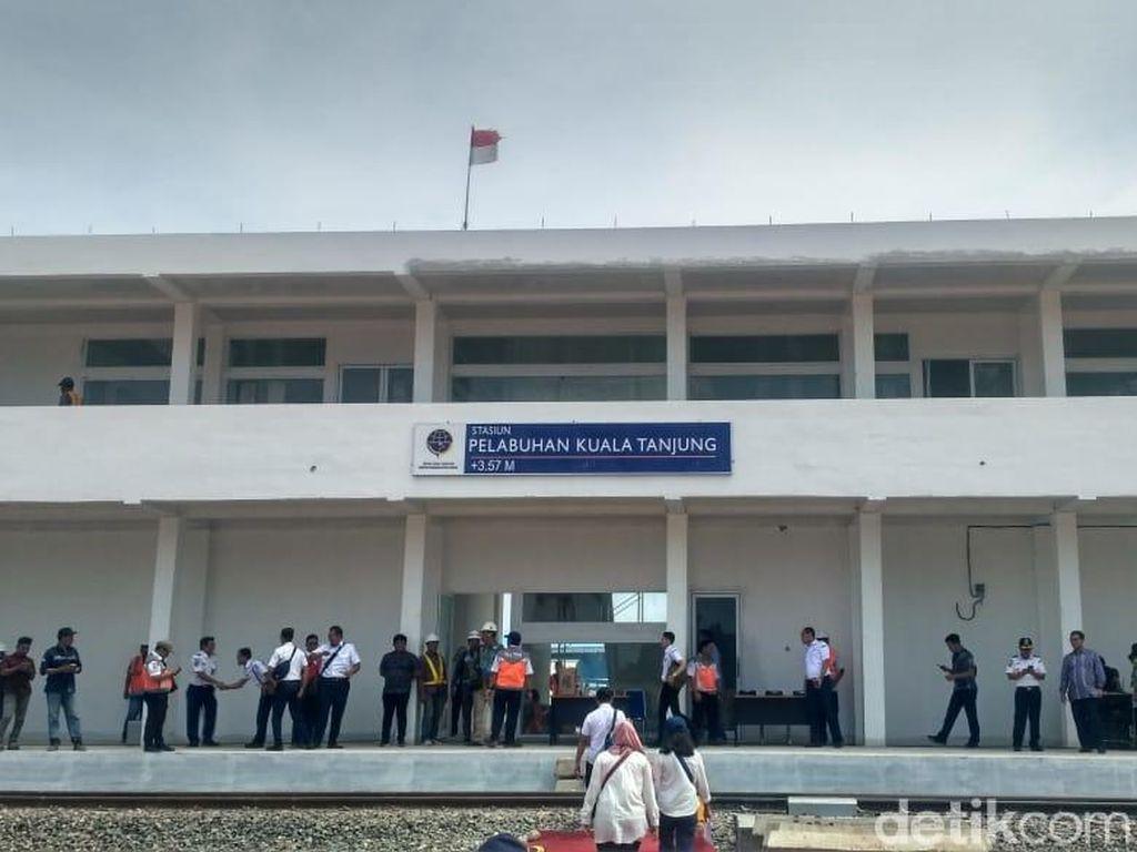 Pelabuhan Kuala Tanjung Terhubung Kereta Api dari Sei Mangkei