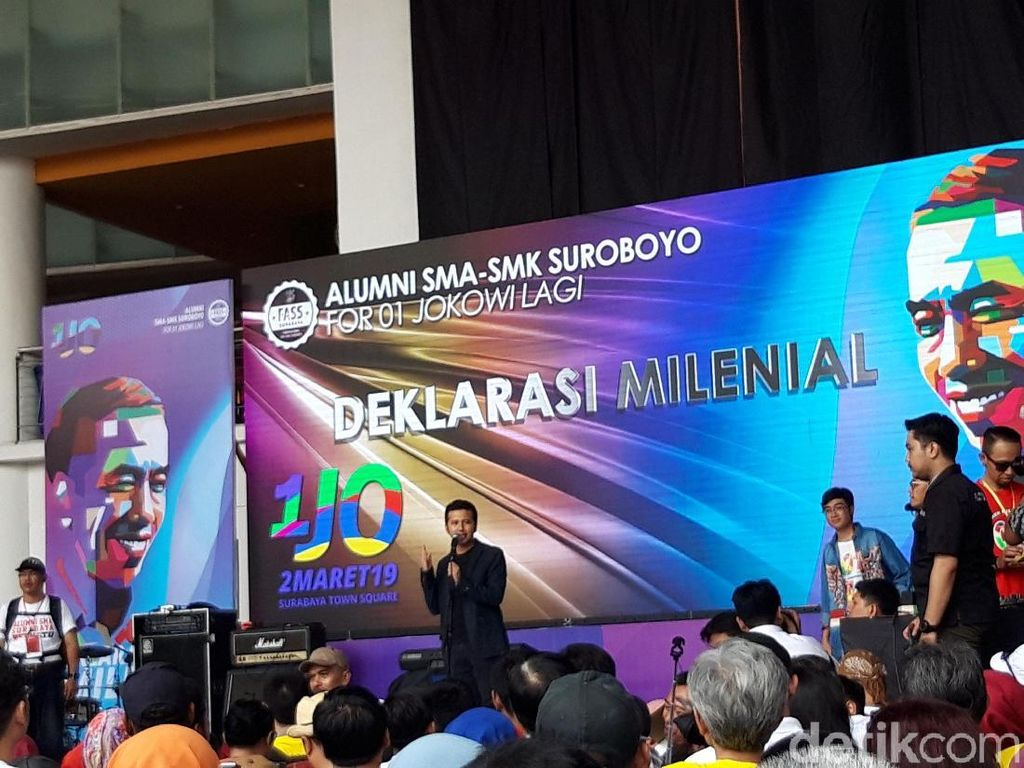 Momen Pertama Kali Emil Dardak Tampil Dukung Jokowi