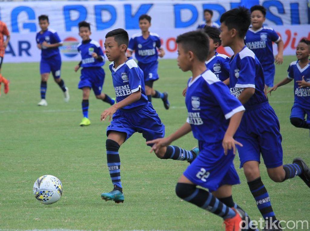 Ketika Syafril Lestaluhu dkk Dikeroyok 60 Pemain Cilik Jelang Kickoff Piala Presiden
