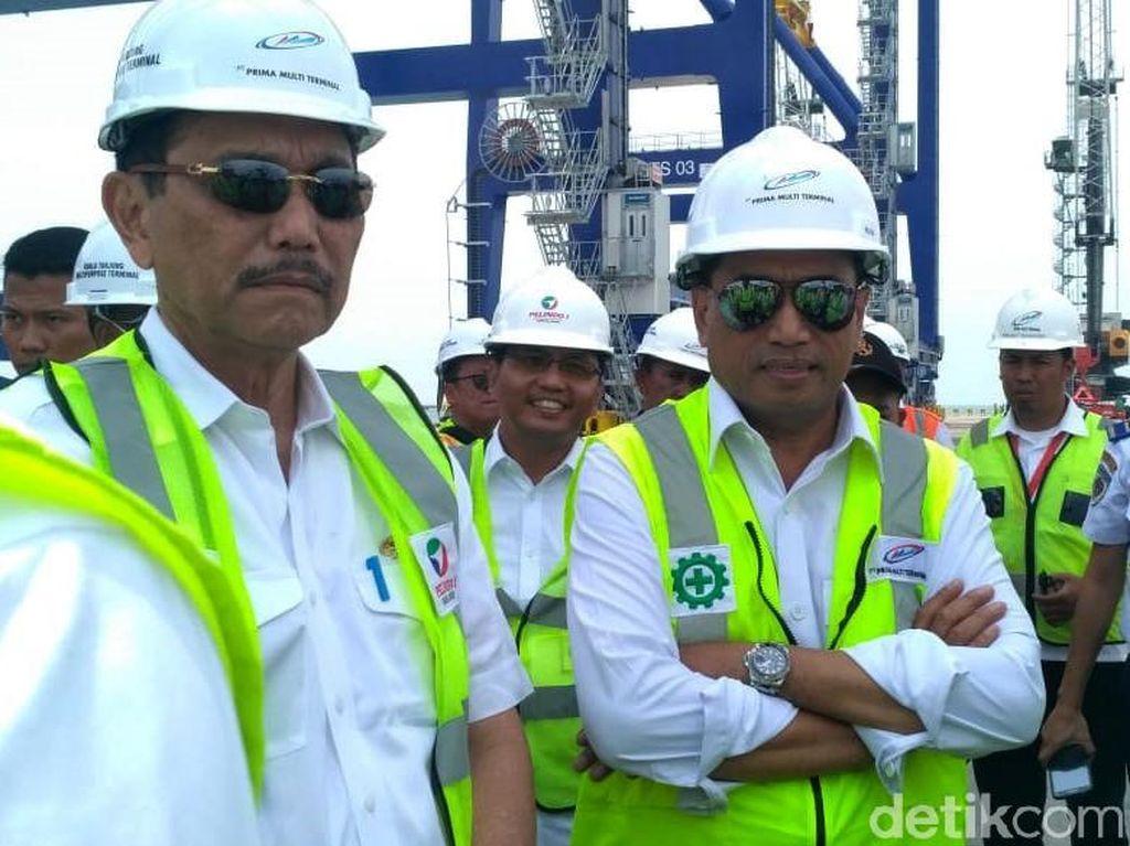 Momen Luhut dan Budi Karya Tinjau Pelabuhan Kuala Tanjung